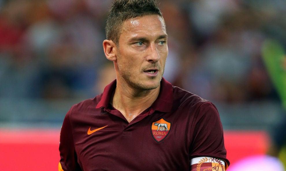 Serie A Roma, l'appello di Totti: «A Napoli sia una festa, senza violenza»