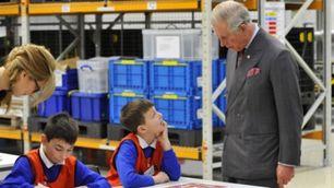 Nissan, Carlo d'Inghilterra in visita allo stabilimento