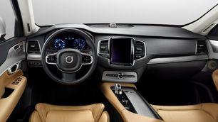 Volvo XC90 T8: l'ibrido da 400 cv