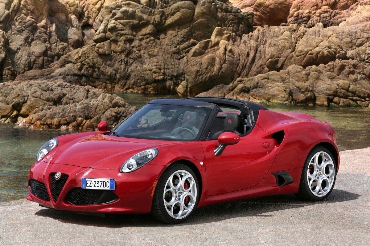 Alfa Romeo 4C Spider, la prova su strada
