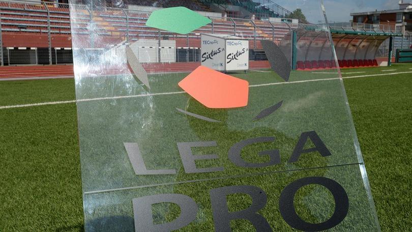 Calciomercato Livorno, Valiani rinnova fino al 2019