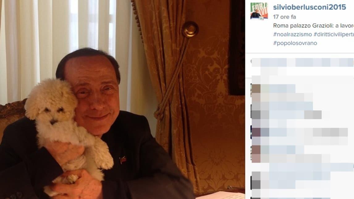 berlusconi torna su instagram con le coppe del milan corriere dello sport. Black Bedroom Furniture Sets. Home Design Ideas