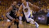 Curry e LeBron James guidano il primo quintetto NBA