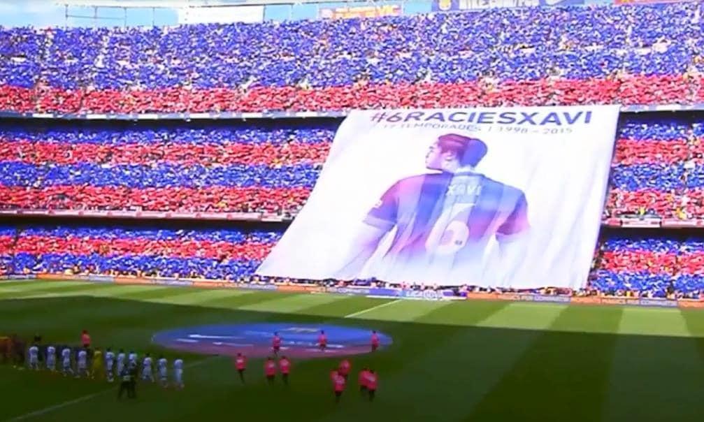 Camp Nou, è da brividi il tributo a Xavi