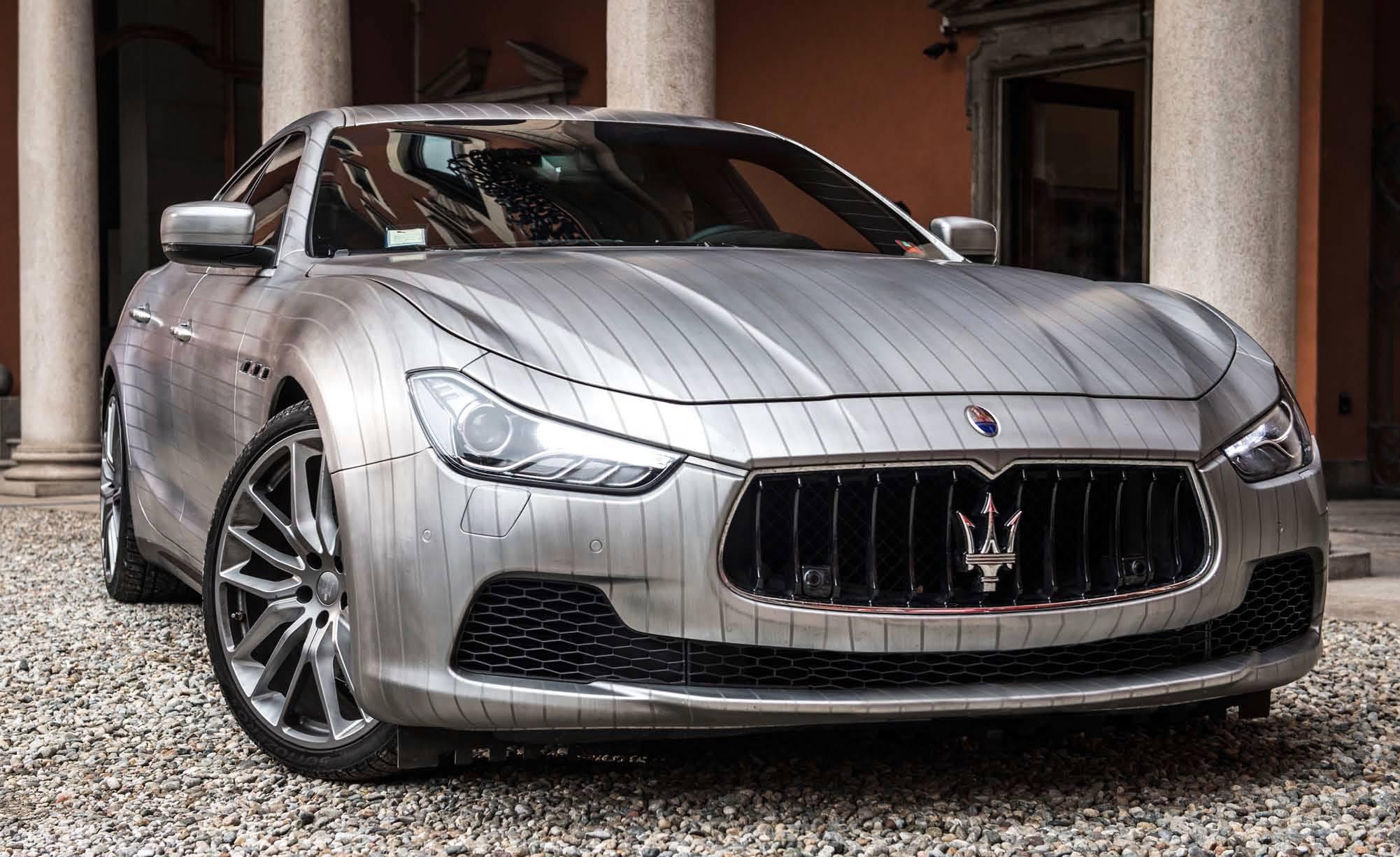 Lapo Elkann mette il gessato alla Maserati Ghibli