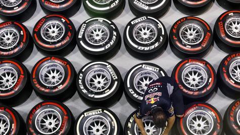 F1: Pirelli svela le tre mescole del 2019
