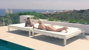 Icardi, che vacanza a Ibiza! In piscina con Wanda e i bambini