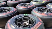 F1 Pirelli, Hembery: «A Silverstone uno o due pit-stop»