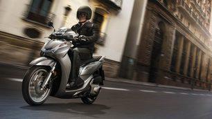 Honda SH300i ABS: foto