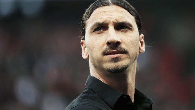 «Psg, Ibrahimovic resta». Ma i tifosi lo scaricano...