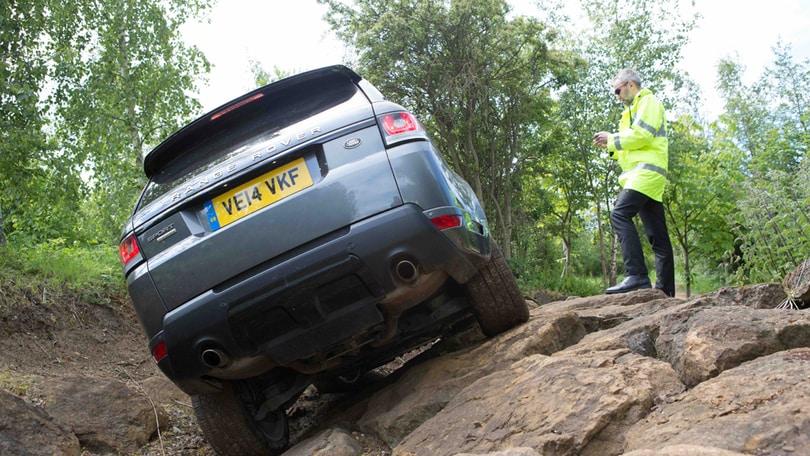 Range Rover Sport: la guida uno smartphone