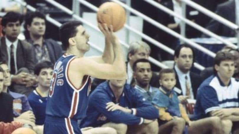 Curry, la dedica La sua maglia per Drazen