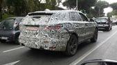 SUV Jaguar: il nuovo F-Pace si... accende