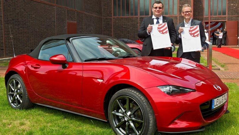 """Mazda MX-5 vince """"l'oscar"""" del design Red Dot Award"""