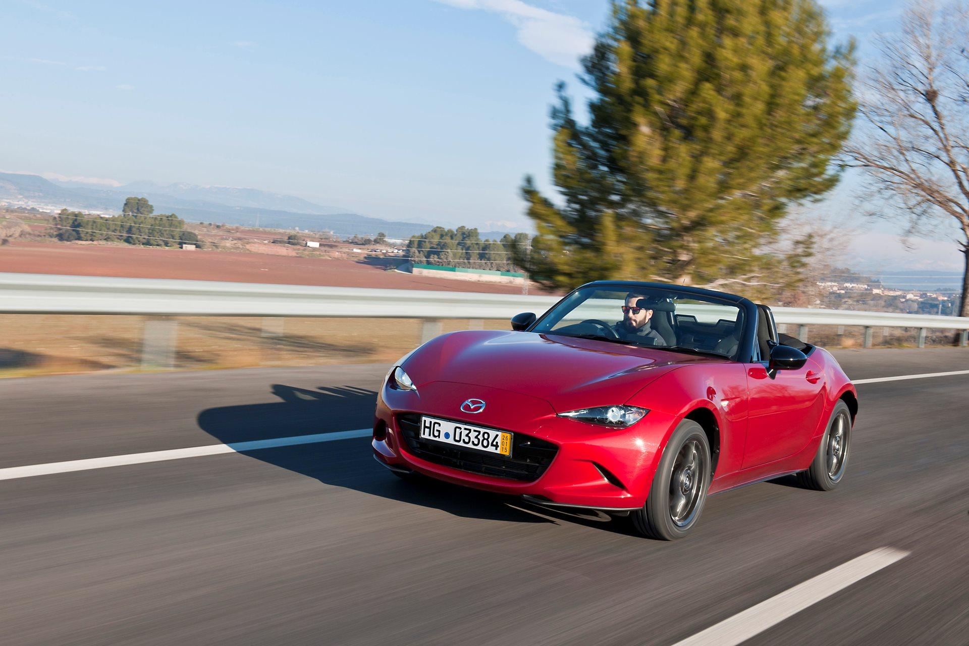 Mazda MX-5, immagini e prezzi