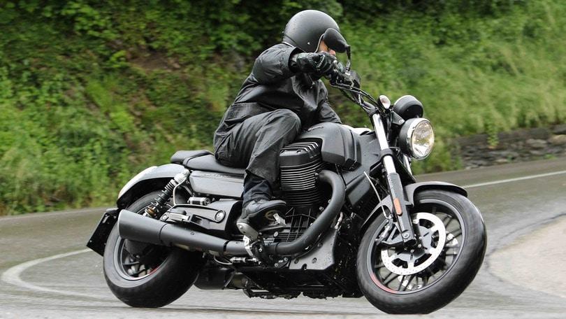 Moto Guzzi Audace: guerriera della notte
