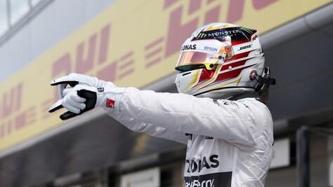 F1, Silverstone: pole di Hamilton, Ferrari in terza fila