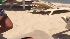 Cassano, scherzo in spiaggia a Insigne