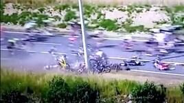 Tour de France, caduta pazzesca