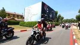 Centinaia di moto in ricordo di Castiglioni