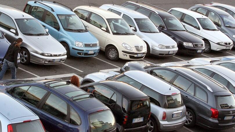 Mercato auto Europa: giugno accelera