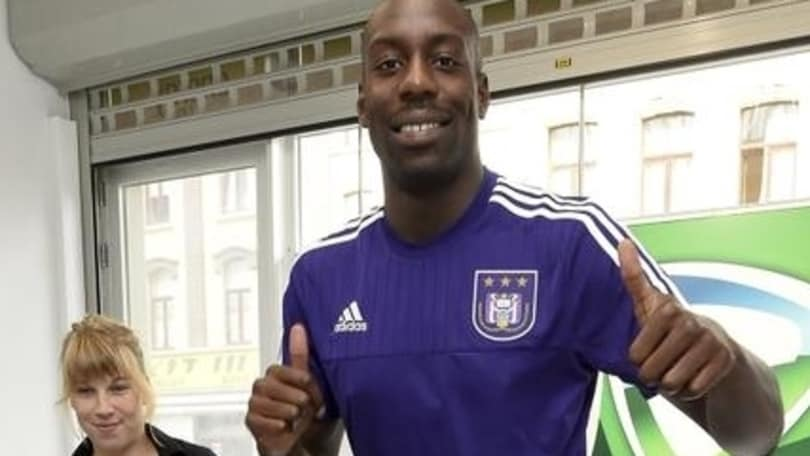 Okaka all'Anderlecht. Indosserà il numero 99