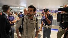 Salah è arrivato a Roma, duecento tifosi in delirio