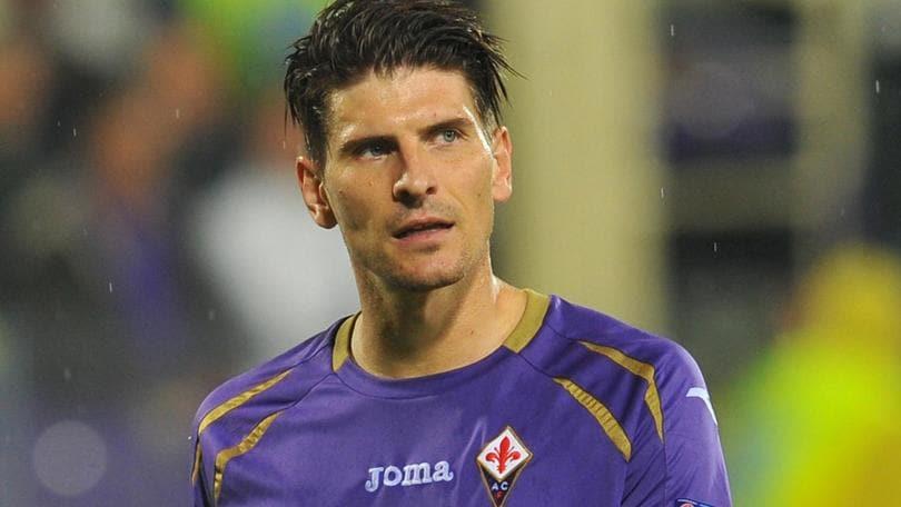 Fiorentina, addio Gomez: va al Besiktas
