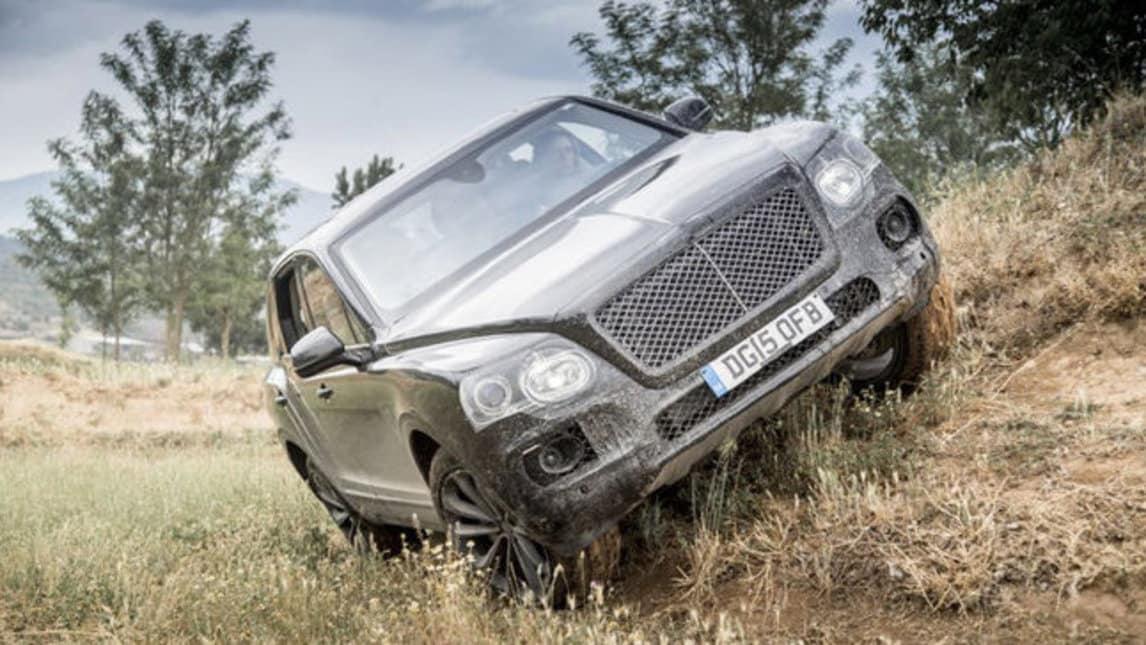 Bentley Bentayga, le immagini del super SUV