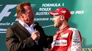 F1, Elton John suona al GP USA, quante star nei box