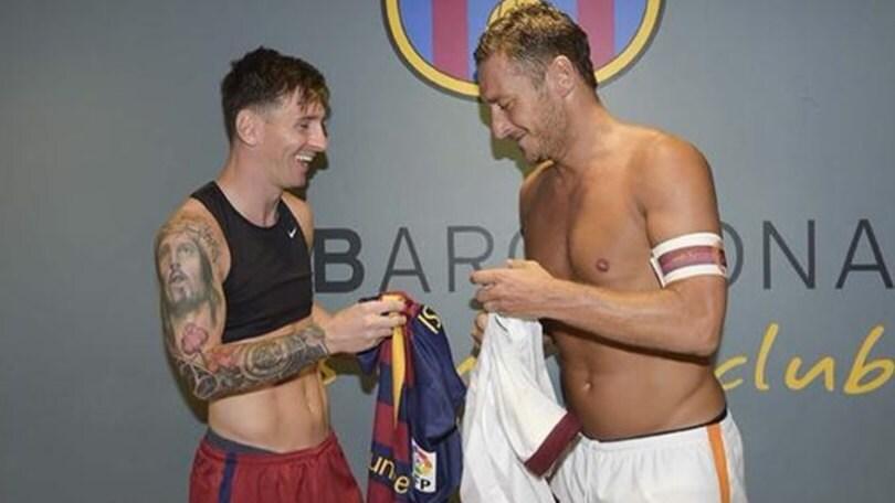 Totti: «Messi fuoriclasse ed esempio di gentilezza»