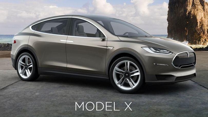 Tesla Model X, prime consegne del SUV elettrico a inizio 2016