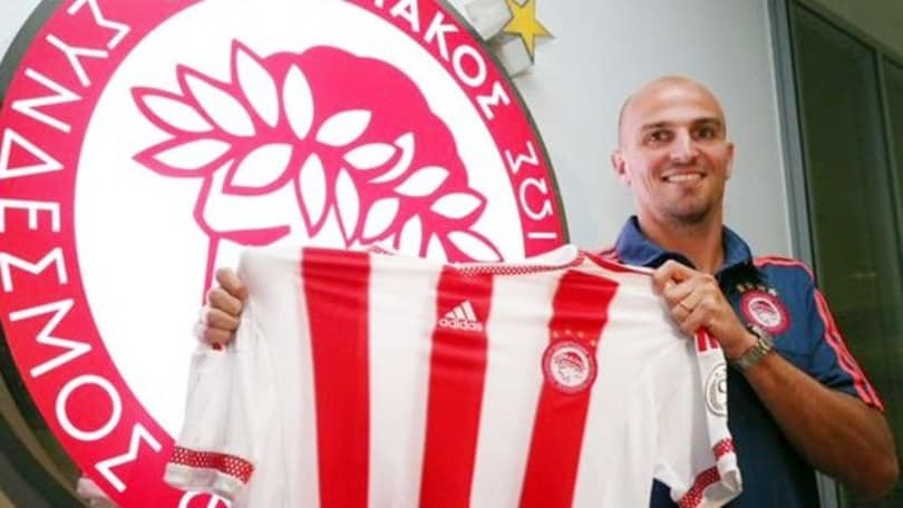 Cambiasso va all'Olympiacos: «Torno in Champions»