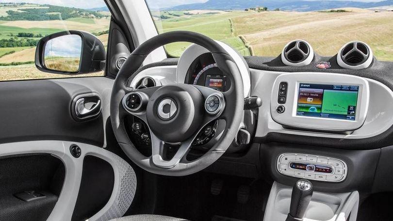 Smart Cabrio e Mercedes Classe C Coupé in anteprima a Francoforte