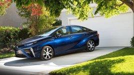 Toyota Mirai, foto e info della berlina a idrogeno