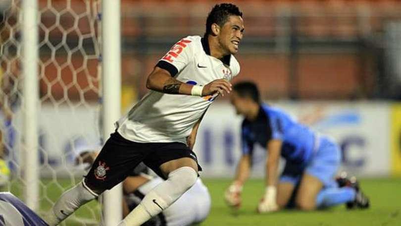Luciano, una doppietta che fa volare il Corinthians