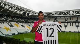 Juve, ecco Alex Sandro: avrà la maglia numero 12