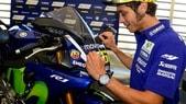 Yamaha, all'asta per i bambini la R1 firmata da Rossi