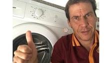 Roma, selfie Garcia con la lavatrice: è per Strootman