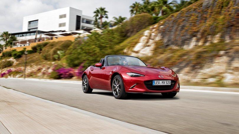 Nuova Mazda MX-5 la prova su strada