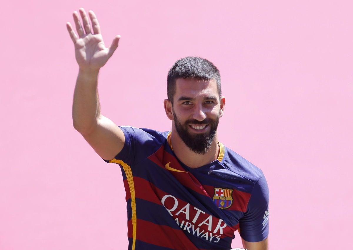 Calciomercato, Arda Turan: «Vorrei chiudere la carriera al Barcellona»