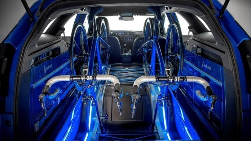 Honda a Francoforte con la Civic Tourer da… bici