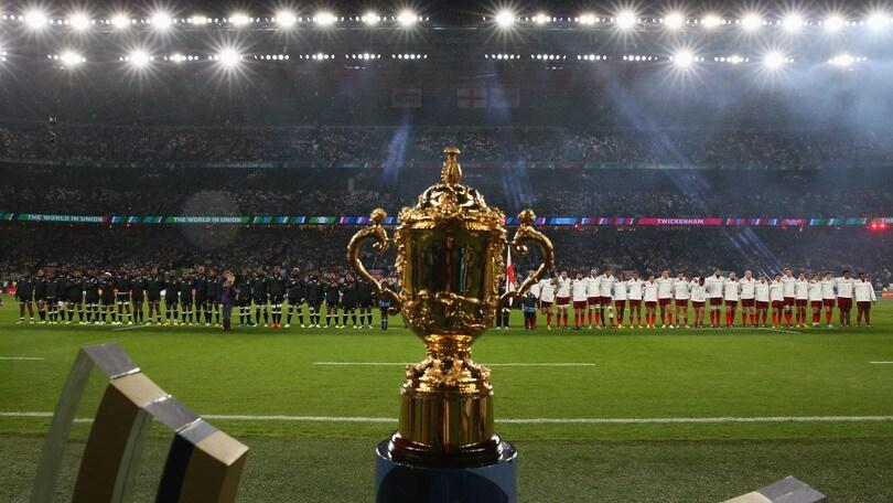Mondiali, 80.000 in coro contro la danza dei figiani