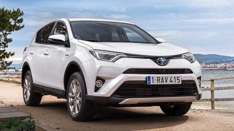 Toyota RAV4 Hybrid, info, foto e prezzi