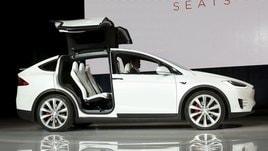 Tesla Model X, svelato il SUV elettrico