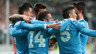Legia Varsavia-Napoli 0-2: Mertens di testa, poi Higuain