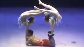 Due ballerine su...un ballerino solo