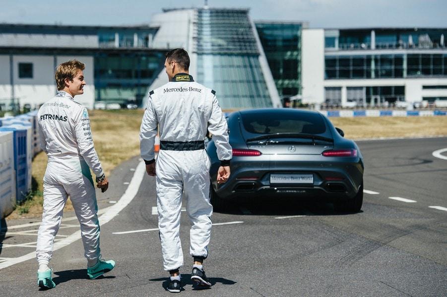 Mercedes, Rosberg istruttore per il campione di Golf