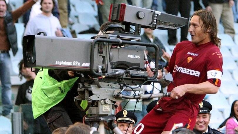 Troppa tv, pochi spettatori: dove va il calcio italiano?