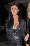 Sexy Kourtney Kardashian al party della sorella Kendall